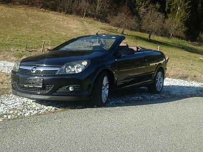 gebraucht Opel Astra Cabriolet Twin Top Cosmo 1,9 CDTI