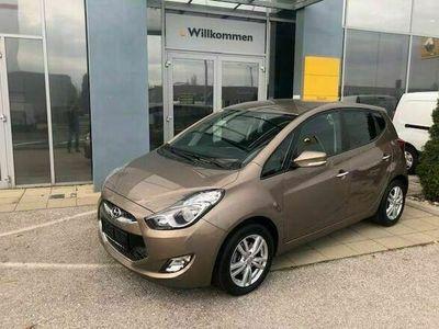 gebraucht Hyundai ix20 1,4 CRDi GO Kombi / Family Van