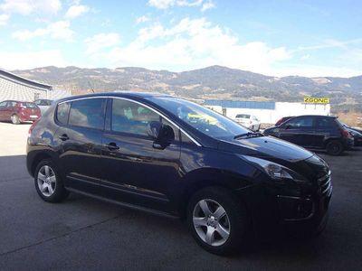 gebraucht Peugeot 3008 1,6 HDi 115 FAP Professional Line Limousine