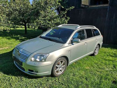 gebraucht Toyota Avensis Kombi 2,0 Kombi / Family Van