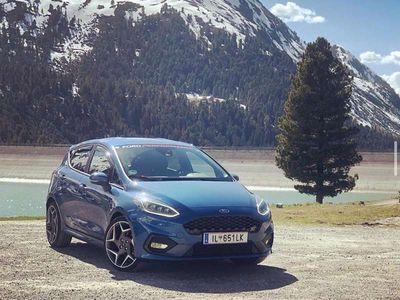 gebraucht Ford Fiesta ST 1,5L Ecoboost 200 PS Colour-Line MK8 Limousine