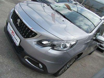gebraucht Peugeot 2008 1,6 BHDI S&S Active Kombi / Family Van,