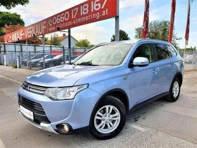 gebraucht Mitsubishi Outlander 2,0 PHEV Instyle /Aut./ Navi / Kamera / 4WD / Bluetooth / Anhängerkupplung /1.Besitz SUV / Geländewagen