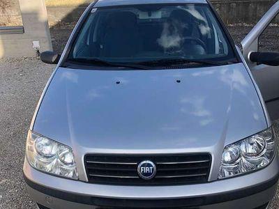 gebraucht Fiat Punto 1,2 Benziner Pickerl bis April + 4monate Limousine