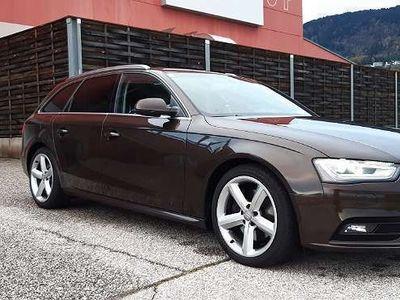 gebraucht Audi A4 Avant 3.0*Facelift*Xenon*LED*Navi*Service gepflegt Kombi / Family Van