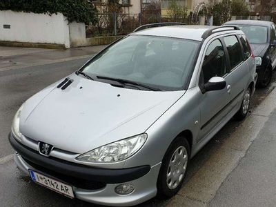 gebraucht Peugeot 206 Junior 1,4 HDI 70
