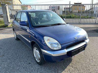 gebraucht Daihatsu Sirion 1.0 Benzin Limousine
