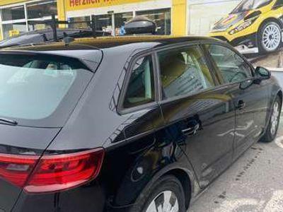 gebraucht Audi A3 Sportback Ambiente 1,6 TDI