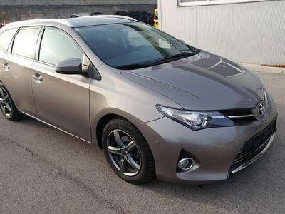 gebraucht Toyota Auris TS 1,4 D-4D Active Kombi / Family Van,