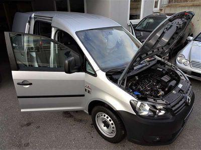 gebraucht VW Caddy CaddyKastenwagen Entry+ 1,6 TDI DPF neuwertig! Kombi / Family Van