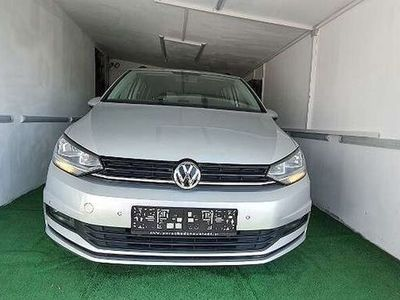 gebraucht VW Touran Trendline 1,6 SCR TDI DSG Kombi / Family Van
