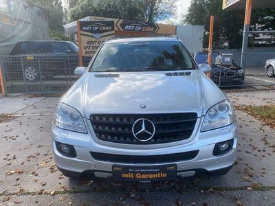 gebraucht Mercedes ML320 M-KlasseCDI 4MATIC Aut. DPF/LEDER/XENON/NAVI/Finanzierung SUV / Geländewagen