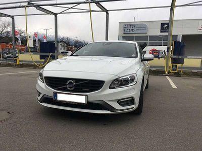gebraucht Volvo V60 D4 Momentum R-Design Geartronic