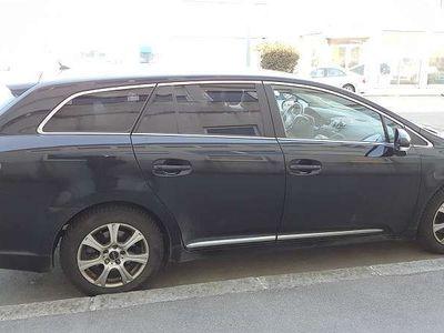 gebraucht Toyota Avensis 1.8 Valvematik Kombi Automatik Kombi / Family Van