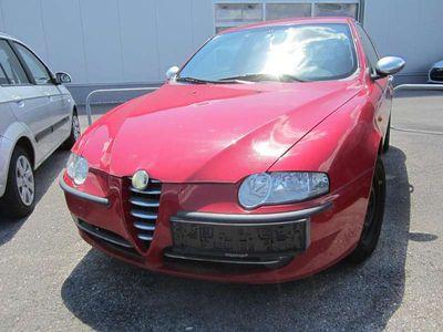 brugt Alfa Romeo 147 147 Alfa1,6 Twin Spark Impression Klein-/ Kompaktwagen,