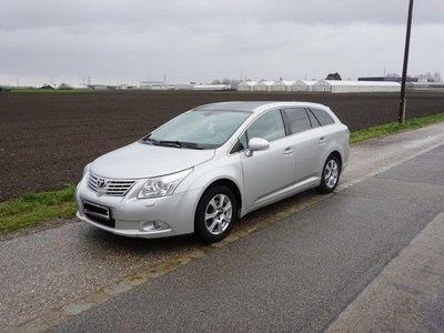 gebraucht Toyota Avensis 2,0 D4-D 125 DPF Executive Kombi / Family Van,