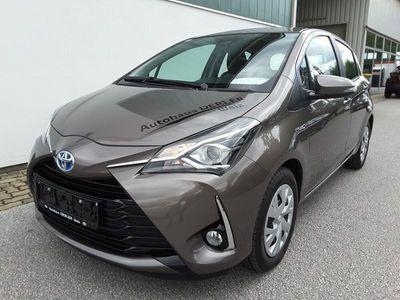 gebraucht Toyota Yaris 15 VVT-i Hybrid Active