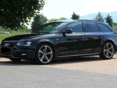 gebraucht Audi A4 Avant 2,0 TDI quattro Black Edition S-tronic