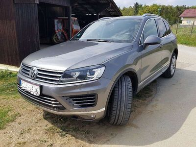 gebraucht VW Touareg TouaregSport 3.0 V6 TDI BMT 4Motion Aut. R-Line SUV / Geländewagen