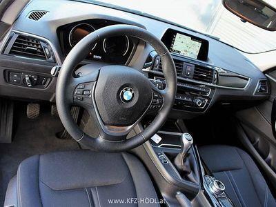 gebraucht BMW 116 1er-Reihe d *NEUWAGENZUSTAND*NAVI*LED*SITZHEIZUNG*EINP... Limousine,