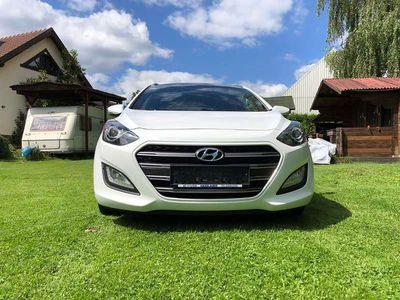 gebraucht Hyundai i30 1,6 CRDi Kombi / Family Van