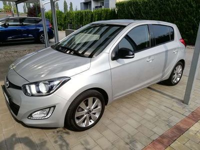 used Hyundai i20 1.4i Klein-/ Kompaktwagen,