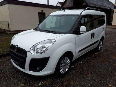 gebraucht Fiat Doblò Bus 1,6 16V JTD Multijet neu überprüft!