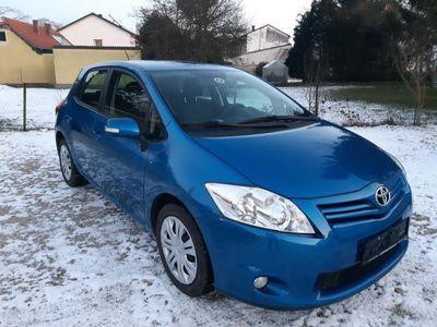 gebraucht Toyota Auris 1,33 dVVT-i S&S Limousine,