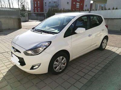 gebraucht Hyundai ix20 1,6 CRDi Europe Kombi / Family Van