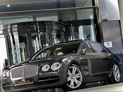 gebraucht Bentley Continental Flying Spur V8 507PS * FACELIFT * MULLINER EXCLUSIVE PAKET * VOLL GARANTIE * GLASDACH * ABSTANDSREGELTEMPOMAT * 21 ZOLL MULLINER * NEUWAGEN-ZUSTAND * SEHR SELTENES EXEMPLAR * Limousine