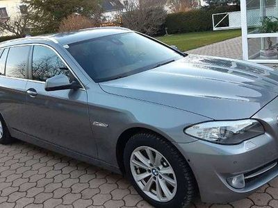gebraucht BMW 525 5er-Reihe d xDrive Touring, Automatik -TOP AUSSTATTUNG - Kombi / Family Van