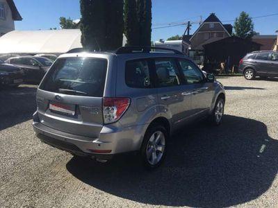 gebraucht Subaru Forester 2,0D XS Comfort 4x4 + Panoramadach + Tempomat SUV / Geländewagen