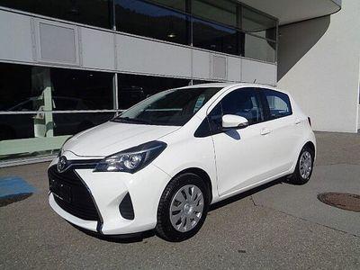 gebraucht Toyota Yaris 1,0 VVT-i Active Limousine
