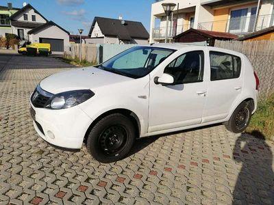 gebraucht Dacia Sandero Black Line 1,2 16V Klein-/ Kompaktwagen