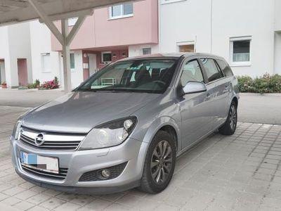 used Opel Astra Kombi / Family Van,