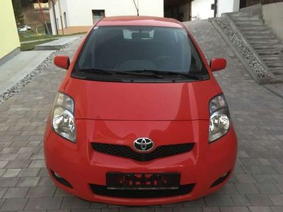 gebraucht Toyota Yaris 1,33 Dual-VVT-i Sol Plus Limousine,