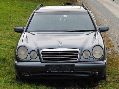 usata Mercedes E300 TD Vorkammerdiesel Tausch gegen W124 Kombi Kombi / Family Van,