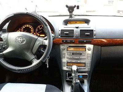 gebraucht Toyota Avensis 2,0 D4-D Linea Luna
