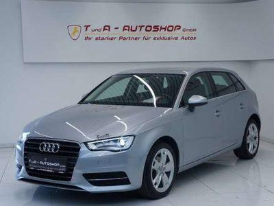 gebraucht Audi A3 1.6 TDI Sportback/Sitzheizung/Klima/Xenon/Teilled