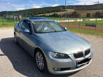 gebraucht BMW 330 3er-Reihe xi coupe 6 GANG SCHALTER NAVI Sportwagen / Coupé