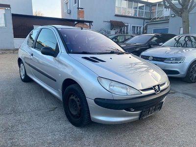 gebraucht Peugeot 206 XR 1,4 HDI 70 Klein-/ Kompaktwagen