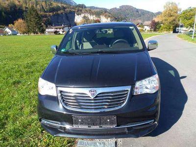gebraucht Lancia Voyager Voyager2,8 CRD Gold Kombi / Family Van