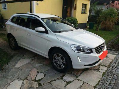 gebraucht Volvo XC60 2,4l D4 AWD Kinetic SUV / Geländewagen,