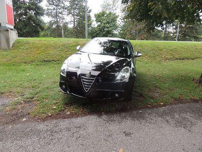 gebraucht Alfa Romeo Giulietta 1,4 Benzin Klein-/ Kompaktwagen