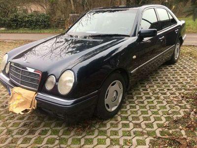 gebraucht Mercedes E240 Classic Aut.