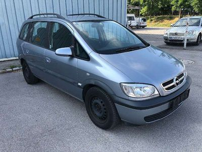 usado Opel Zafira 1,6 Kombi / Family Van,