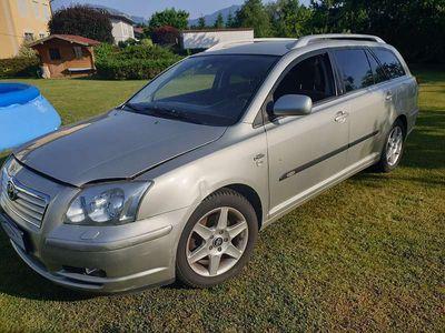 used Toyota Avensis 2.2 td Kombi / Family Van,