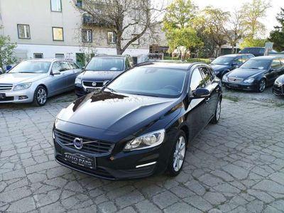 gebraucht Volvo V60 D2 2.0-ERSTBESITZ-ZINSENFREI FINANZIERUNG Kombi / Family Van