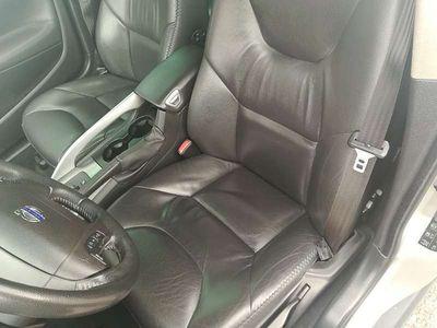 usata Volvo XC70 D5 Momentum AWD Aut. Geartronic Kombi / Family Van,