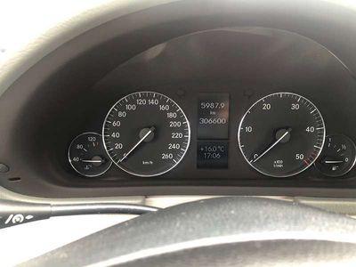 gebraucht Mercedes C200 C-KlasseCDI mit Anhängerkupplung Kombi / Family Van